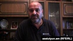 Բանակում մահացած զինծառայող Հովհաննես Պետրոսյանի հայրը՝ Վաչիկ Պետրոսյանը: