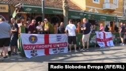 Pojedini britanski navijači su već danima u Crnoj Gori