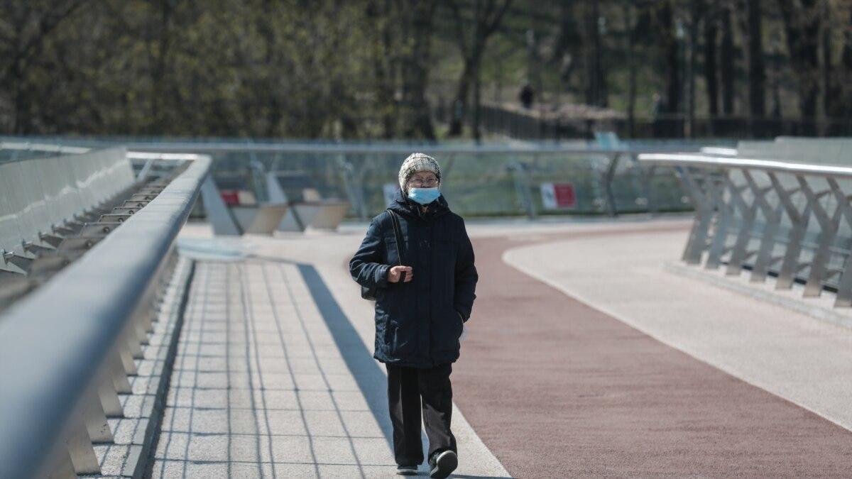 «Все киевляне идут на Гидропарк»: как в соцсетях встретили первый день усиленного карантина