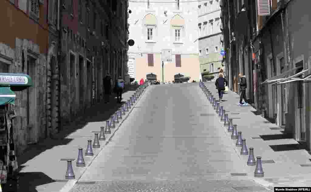 Дорога, ведущая к храму Сан-Анджело