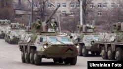 Друга партія з 62 БТР-4 для Іраку на території Харківського конструкторського бюро машинобудування, фото 4 квітня 2012 року