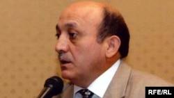 Заместитель исполнительного секретаря партии «Ени Азербайджан» Мубариз Гурбанлы.