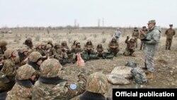 Armenia - U.S. military instructors train Armenian non-commissioned officers, 28Feb2014.