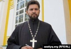 Протоиерей Вознесенского кафедрального собора Алматы Александр Суворов.