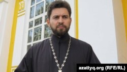 Алматыдағы Вознесенск шіркеуінің протоиерейі Александр Суворов.
