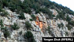 «Ржавчина» на скалах каньона