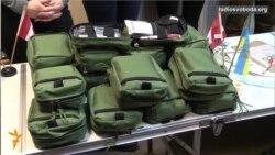 Канада передала 100 сучасних аптечок для українських військових