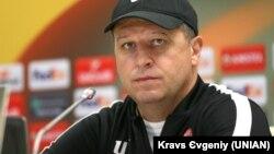 Головний тренер ФК «Зоря» (Луганськ) Юрій Вернидуб