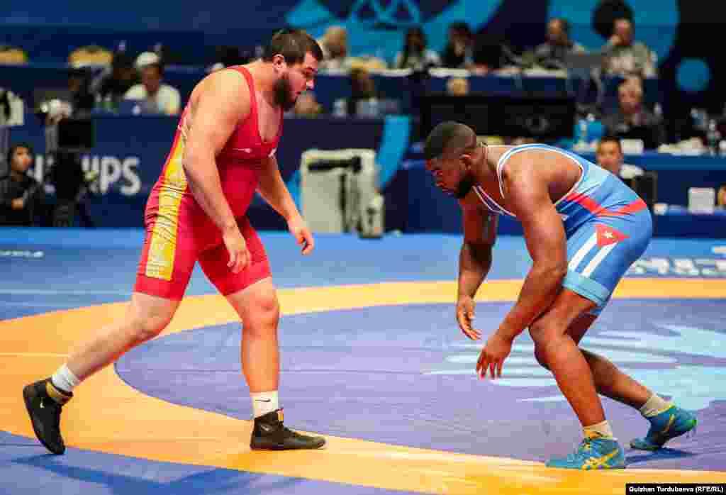 Мурат Рамонов также закончил свое выступление в борьбе за третье место.