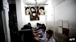 Qum şəhərində internet-klub