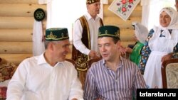Rusiya prezidenti Dmitri Medvedev Kazanda keçirilən festivalda, 25 İyun 2011