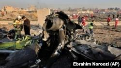 بقایای سقوط طیاره اوکراینی در پایتخت ایران