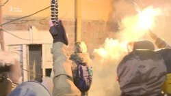 Активісти понищили одне з київських відділень «Сбербанку Росії» (відео)