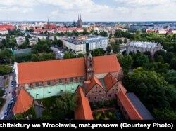 Цвета Великого Княжества. Белорус завершил грандиозную выставку во Вроцлаве