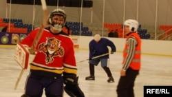 2009-жылы, 22-февралда Кыргызстанда Хоккей боюнча алгачкы ачык чемпионат өткөн.