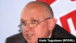 Vladimir Kozlov is head of the unregistered Forward (Alga) party.