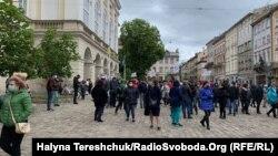 Протест представників переважно малого бізнесу під стінами міськради у Львові, 12 травня 2020 року