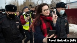 Ksenia Pakhomova takes a selfie as she's detained at the prison where Aleksei Navalny was held in the Vladimir region on April 6.