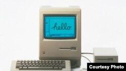Первый компьютер Apple Macintosh, выпущенный в продажу в январе 1984 года.