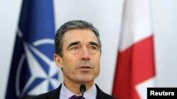 В ноябре прошлого года, будучи в Тбилиси, Генеральный секретарь НАТО Андерс Фог Расмуссен заявил, что «Грузия как никогда раньше близка к вступлению в НАТО»