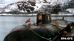 Submarinul Kursk la baza maritimă de la Vidîaievo, înaintea dezastrului