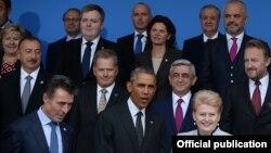 Лидеры стран - членов НАТО на саммите в Уэльсе. 4 сентября 2014 года.