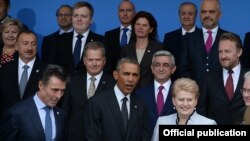 UK - U.S. President Barack Obama and the leaders of other NATO member and partner states at a summit in Wales, 4Sep2014.