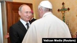 Vladimir Putin primit la Vatican de Papa Francisc, 4 Julie 2019