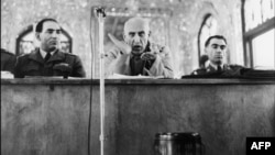 Iran -- PM Mohammed Mossadegh during court hearing on November 11, 1953