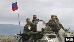 Russian peacekeepers guard South Ossetia's border