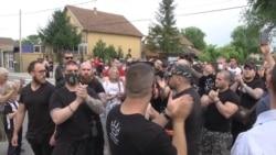 Ultradesničari ispred Centra za migrante u Obrenovcu