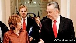 EU Catherine Ashton (left) and Bosnian Prime Minister Zlatko Lagumdzija in Sarajevo on March 12.