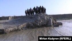 Ат-Башы районунун Казыбек айылы.