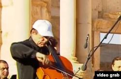 Sergei Rodulgin duket se favorizohet nga Putini më shumë se sa violonçelist.