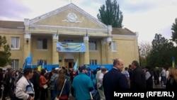 Мітинг пам'яті жертв депортації кримських татар у Новоолексіївці, травень 2015 року