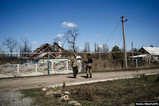Поселок Спартак, недалеко от донецкого аэропорта, 2015 год