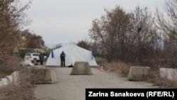 Местные жители говорят, что никто точно не знает, где пролегает эта самая граница. В последнее время российские пограничники все чаще арестовывают людей не в самой Южной Осетии, а на территории, подконтрольной грузинским властям