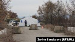 Пост на административной границе Грузии и Южной Осетии. Эргнети, 18 марта 2013 года.