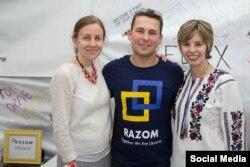 Люба Шипович разом з колегами по громадській організації «Razom for Ukraine»