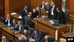 احدى عمليات التصويت في البرلمان اللبناني