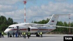 Самолет Ан-148 (архивное фото)