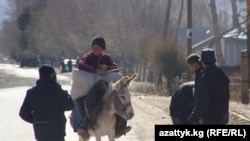 A street scene in Naryn, in northern Kyrgyzstan