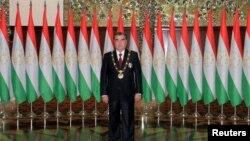 Президент Таджикистану Емомалі Рахмон під час інавгурації на черговий термін, 2013 рік