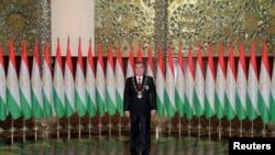 В случае принятия предложенных поправок в конституцию страны, Эмомали Рахмон получит право быть президент Таджикистана до конца своей жизни.