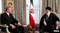 Реджеп Эрдоган (слева) и аятолла Али Хаменеи, Машхад, 29 марта 2012