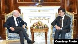 اربيل 23 تشرين1 رئيس حكومة اقليم كردستان نيجيرفان بارزاني يستقبل مبعوث الامم المتحدة الى سوريا ديمستورا