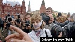 Moskvada matbuot va so'z erkinligini cheklashga qarshi norozilik namoyishi chog'ida o'nlab jurnalistlar hibsga olindi - 7 - iyun, 2020
