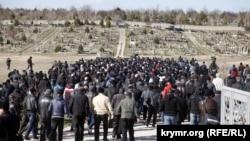 Похороны крымскотатарского активиста Решата Аметова, 18 марта 2014 года