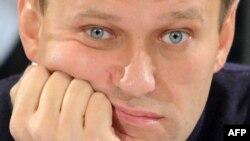 Можно ли спасти НКО? Как сосуществуют протест и ксенофобия? Что ждет Навального после суда?