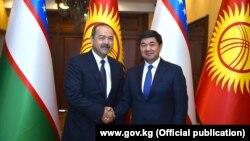 Өзбекстандын премьер-министри Абдулла Арипов менен Кыргызстандын өкмөт башчысы Мухаммедкалый Абылгазиев. 1-август, 2019-жыл.